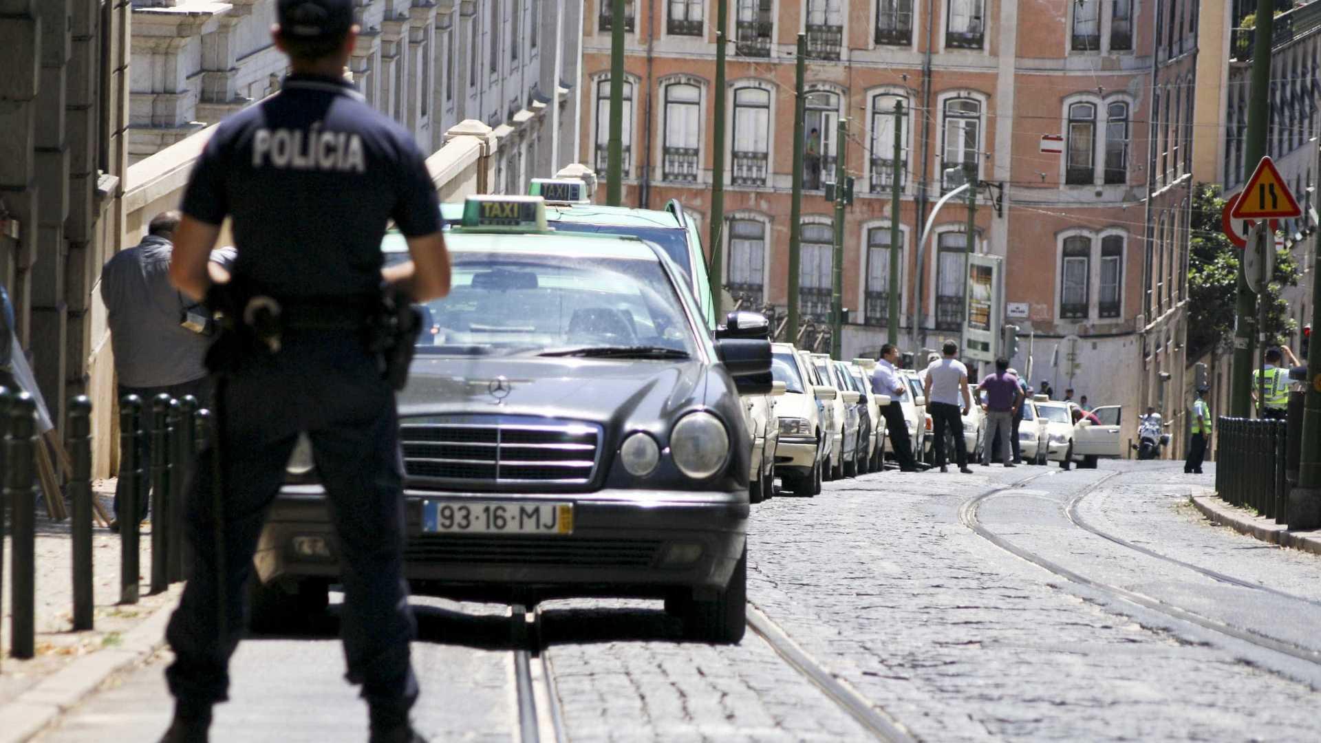 A Mastercard, a myPOS e a Antral uniram-se para dar aos taxistas mais um trunfo na hora de chamar clientes.