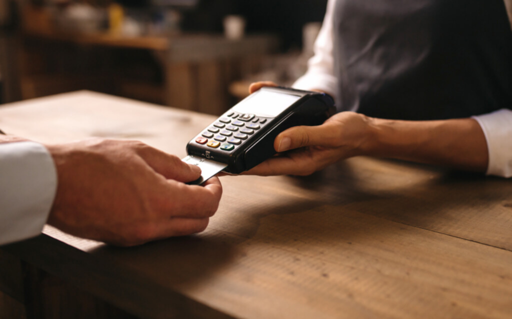 Customer paying with a card payment machine